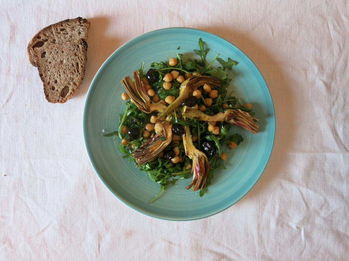 Salade-Artichaut-Pois-Chiches-Romarin-et-Olives-Noires-Baba-Bahri